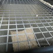 Решетка для защиты от попадания в бункер крупных предметов